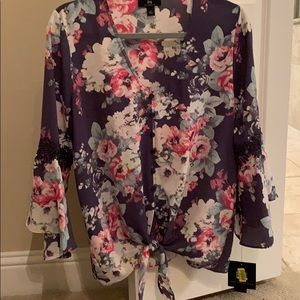 Tops - Floral Top size Large